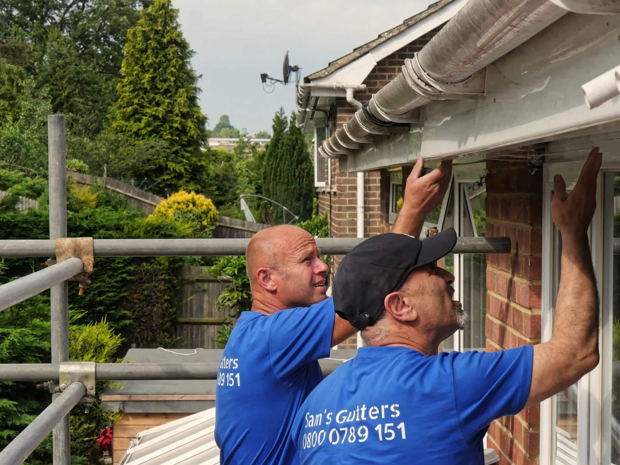gutter cleaning and gutter repair